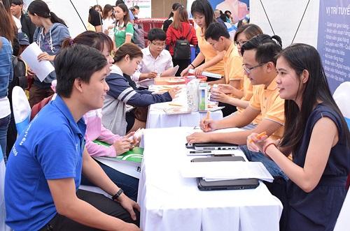 Top 8 trung tâm giới thiệu việc làm uy tín tại TPHCM