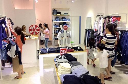 Top 10 Shop quần áo VNXK Dư xịn nhất tại TPHCM