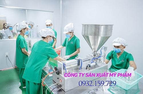 top-5-cong-ty-san-xuat-my-pham-doc-quyen-o-viet-nam-4