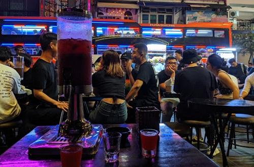 top-5-quan-bar-quan-1-co-khong-gian-chill-nhat-4