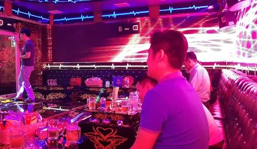 top-5-quan-karaoke-view-dep-re-hut-khach-nhat-o-binh-thanh-4
