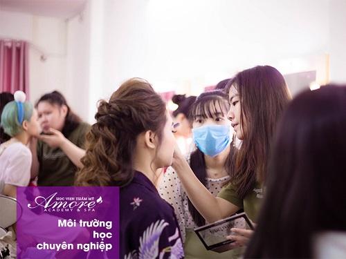 top-10-truong-day-phun-xam-tham-my-tot-nhat-tai-tphcm-15