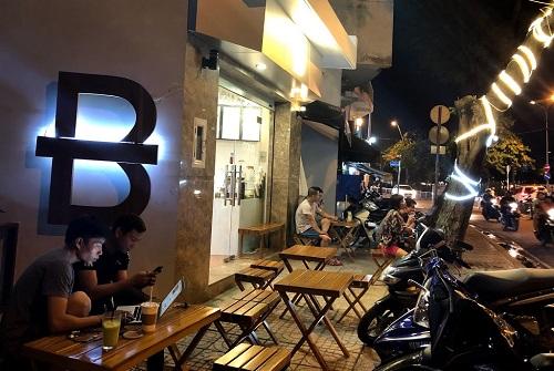 top-5-quan-cafe-quan-1-view-dep-yen-tinh-3