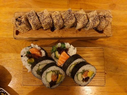 top-5-quan-sushi-ngon-re-noi-tieng-nhat-tai-q-binh-thanh-1