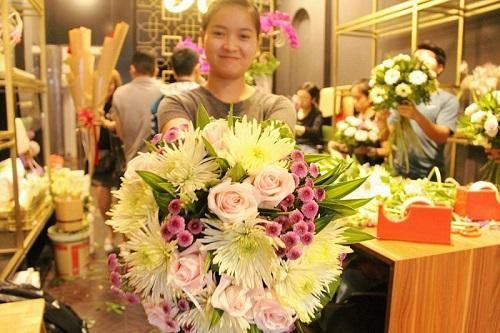 top-5-dia-chi-day-cam-hoa-chuyen-nghiep-nhat-tai-tphcm-2