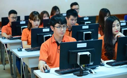 top-5-truong-dao-tao-cong-nghe-thong-tin-tot-nhat-tai-tphcm-4