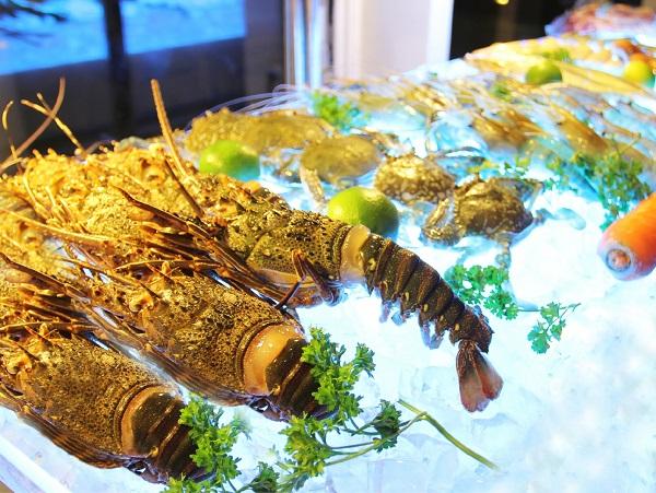 Top 10 nhà hàng buffet tôm hùm ngon, nổi tiếng nhất TPHCM