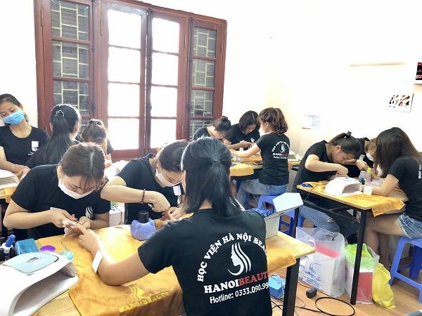 Top 10 trung tâm dạy học nail tốt, uy tín nhất ở Hà Nội