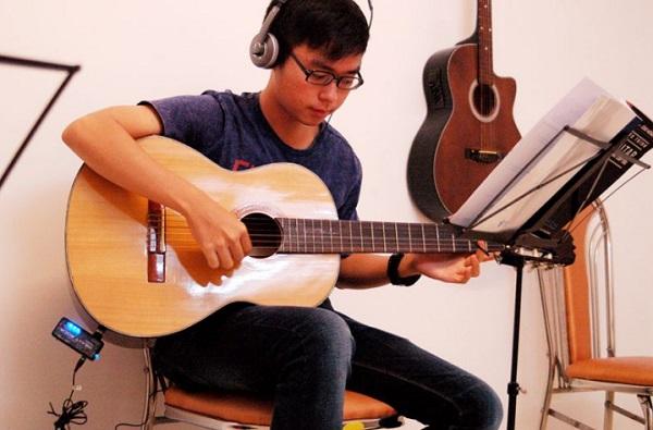 top-5-dia-chi-hoc-dan-guitar-gia-re-va-uy-tin-nhat-tai-ha-noi-1