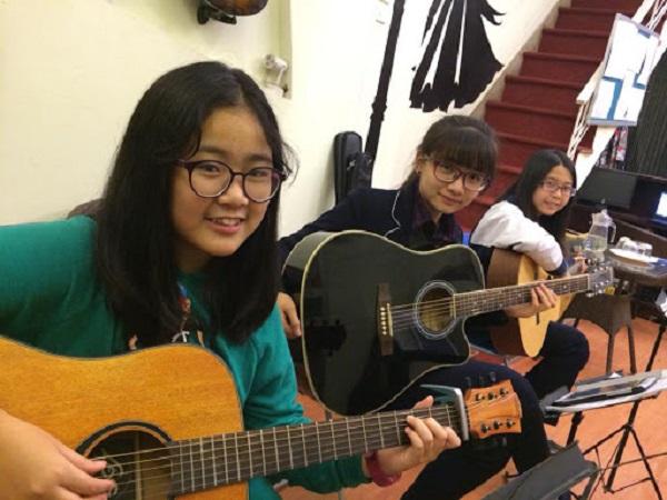 top-5-dia-chi-hoc-dan-guitar-gia-re-va-uy-tin-nhat-tai-ha-noi-5
