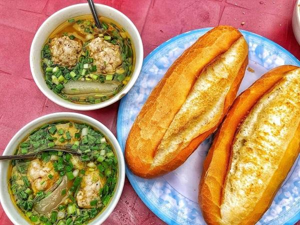 Top 5 quán bánh mì xíu mại ngon, nổi tiếng nhất ở Đà Lạt