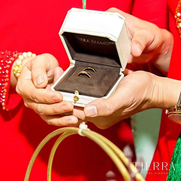 """Trào lưu """"quay về"""" với nhẫn cưới truyền thống của các cặp đôi trẻ"""