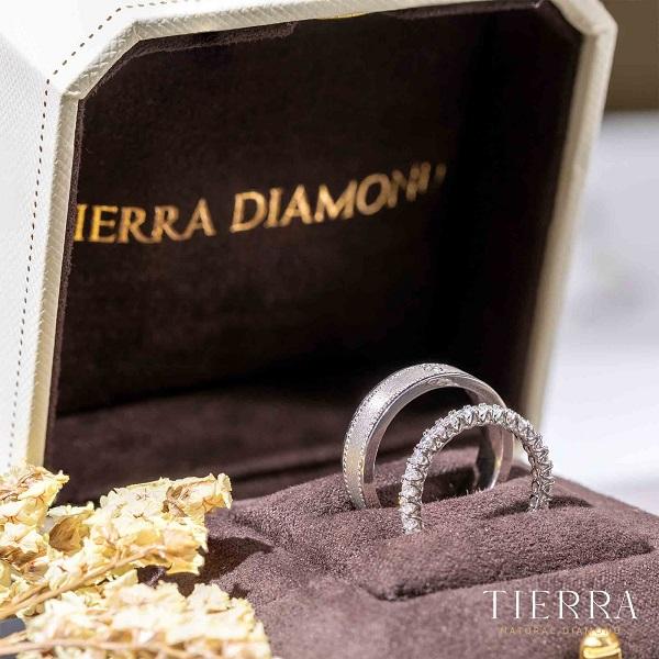 Xu hướng nhẫn cưới Eternity tượng trưng cho tình yêu trường tồn vĩnh cửu
